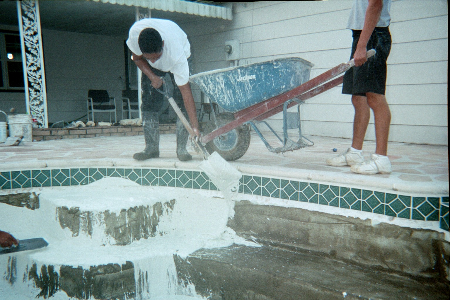 Pool Plaster Mix : Everic pool plastering replastering procedures